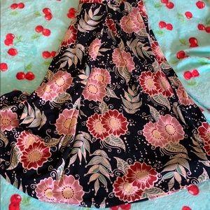 Lularoe Madison skirt with pockets Medium